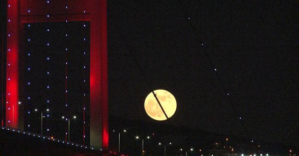 'Süper Ay' Kendine Hayran Bıraktı