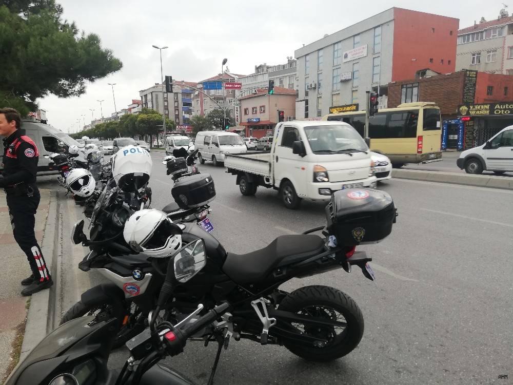 2019/10/avcilarda-trafik-kazasi-1-polis-yarali-20191022AW83-2.jpg