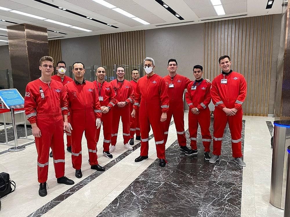 2020/03/thy-ekipleri-ozel-kiyafetlerle-turk-ogrencileri-yurda-tasidi-20200325AW97-1.jpg