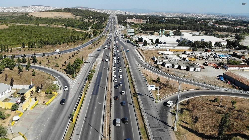 2020/07/istanbul-cikisinda-bayram-oncesi-trafik-yogunlugu-basladi-20200729AW07-4.jpg
