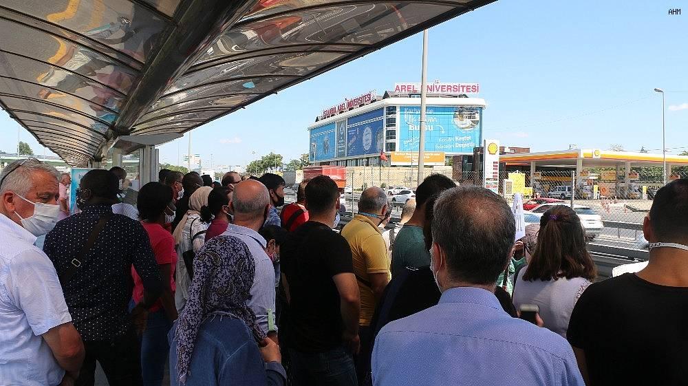 2020/07/metrobuste-bayram-arifesinde-korkutan-manzara-20200730AW07-6.jpg