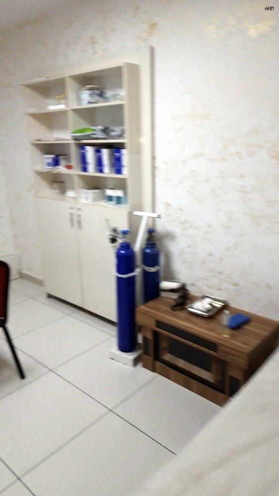 2021/02/esenyurtta-apartman-dairesindeki-kacak-hastane-20210222AW24-3.jpg