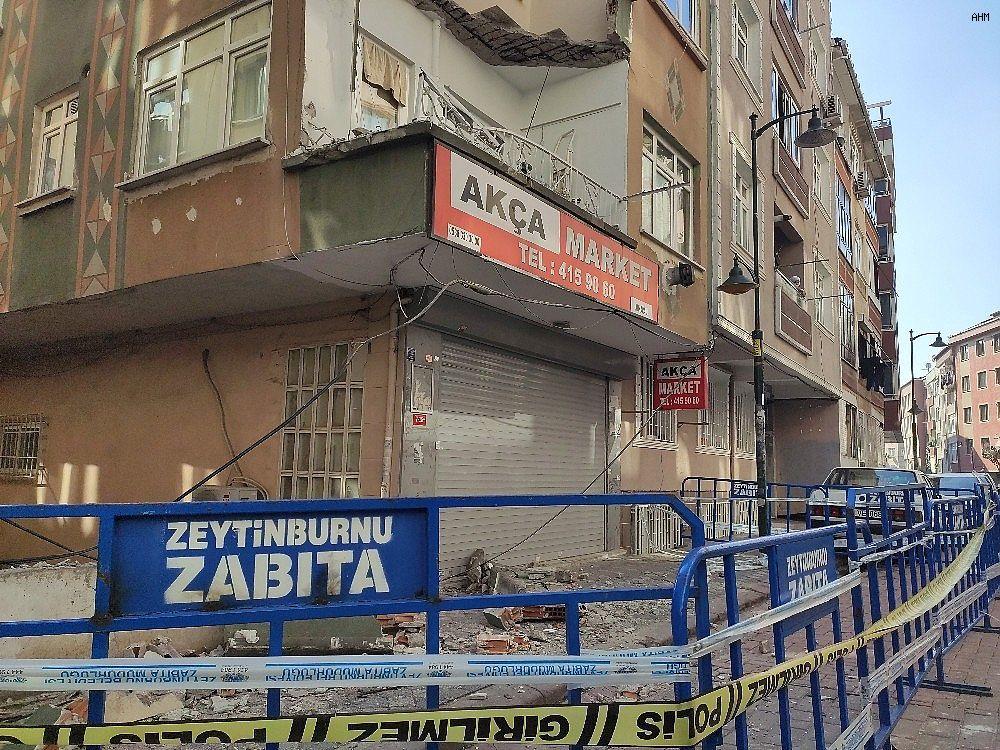 2021/02/zeytinburnunda-binanin-balkonunun-coktu-20210223AW25-1.jpg