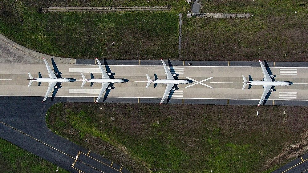 2021/03/ataturk-havalimaninda-onlarca-ucak-yolcularini-bekliyor-20210301AW25-1.jpg