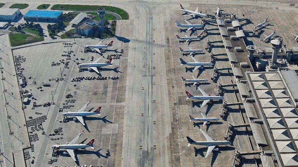 2021/03/ataturk-havalimaninda-onlarca-ucak-yolcularini-bekliyor-20210301AW25-10.jpg