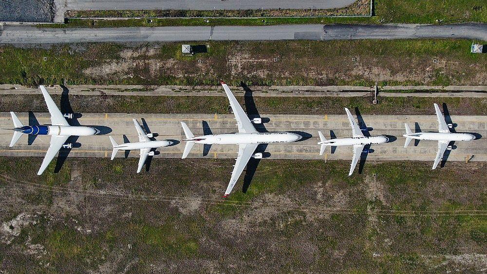 2021/03/ataturk-havalimaninda-onlarca-ucak-yolcularini-bekliyor-20210301AW25-2.jpg