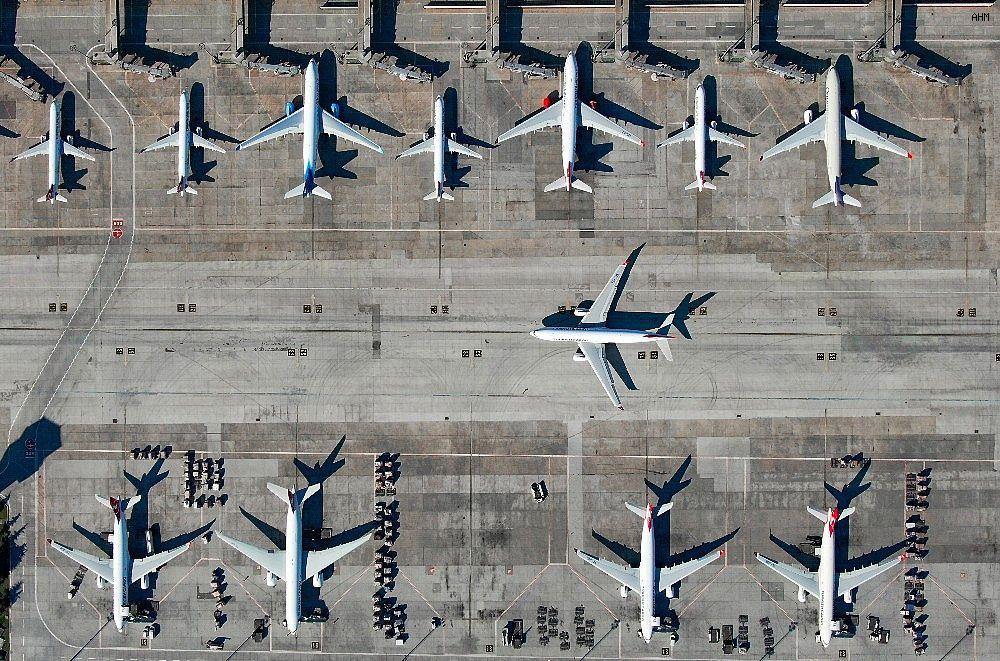 2021/03/ataturk-havalimaninda-onlarca-ucak-yolcularini-bekliyor-20210301AW25-7.jpg