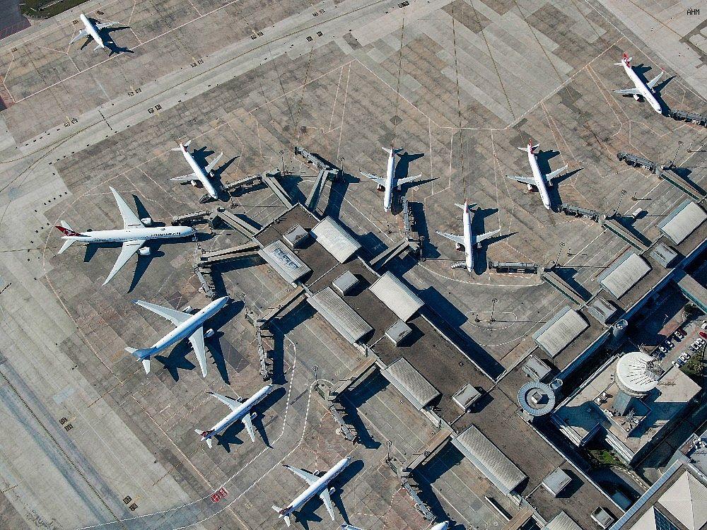 2021/03/ataturk-havalimaninda-onlarca-ucak-yolcularini-bekliyor-20210301AW25-8.jpg