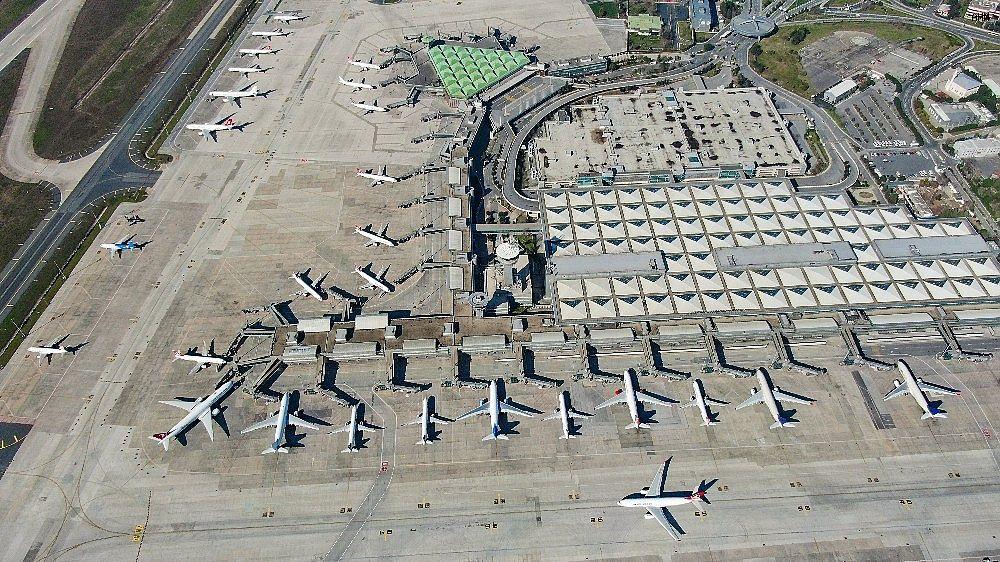 2021/03/ataturk-havalimaninda-onlarca-ucak-yolcularini-bekliyor-20210301AW25-9.jpg