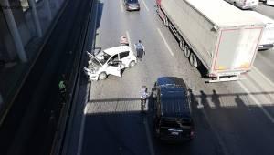 Avcılar E-5'te Trafiği Kilitleyen Kaza