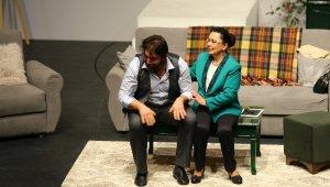 Denizli Büyükşehir Belediyesi Şehir Tiyatrosu perdelerini açıyor