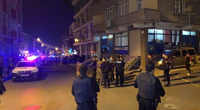 Avcılar'da İki Grup Çatıştı:3 Yaralı