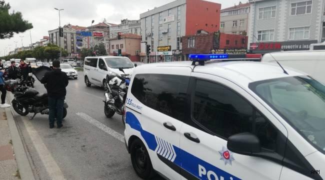 Avcılar'da Trafik Kazası! 1 Polis Yaralı