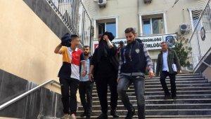 Beyoğlu'nda küçük çocuklara hırsızlık yaptıran şahıslar yakalandı