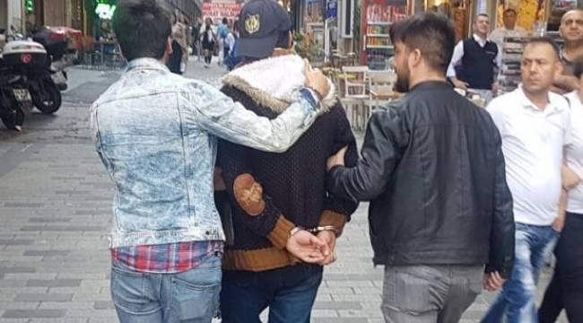İstanbul'da Hareketli Anlar! 'Çantamda Bomba Var..'