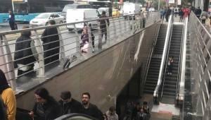 Metro İstasyonu'nda İntihar Girişimi
