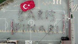 Öğrencilerden Mehmetçik'e dev koreografili destek