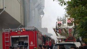 Sancaktepe'de mobilya atölyesinde korkutan yangın