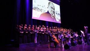 Atatürk, Beylikdüzü'nde sevdiği şarkılarla anıldı