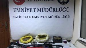 Fatih'te uyuşturucu ticareti yapan şahıslara operasyon: 3 gözaltı