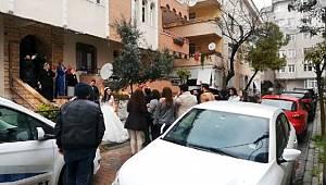 Avcılar'da koronavirüse rağmen sokakta düğün yaptılar