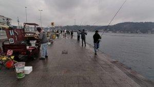 Balıkçılar uyarıları dinlemedi müdür sahaya kendisi indi