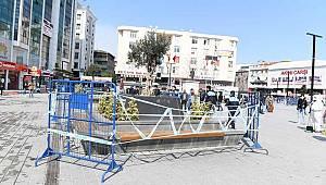 İstanbul'da 'sokağa çıkmayın' uyarısına aldırmayan yaşlılara demir bariyerli önlem!