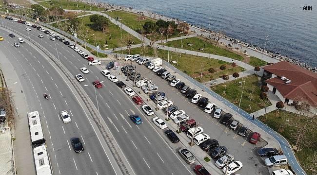 İstanbullular Zeytinburnu sahiline akın etti