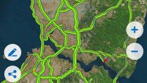İstanbul'da sokağa çıkma yasağı öncesi trafik yoğunluğu yüzde 1 olarak ölçüldü