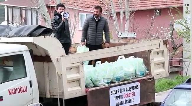 Korona virüsünden etkilenen yaşlılar için kamyonla erzak dağıttılar