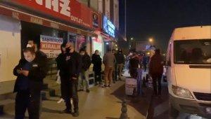 Sokağa çıkma yasağı sonrası vatandaşlar fırınlara akın etti