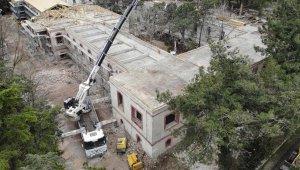 Tarihi Hadımköy Askeri Hastanesi'ndeki restorasyon çalışmaları sürüyor
