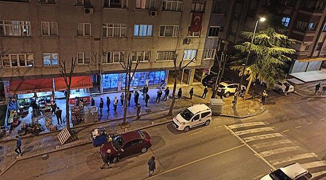 Vatandaşlar market ve fırınlara akın etti