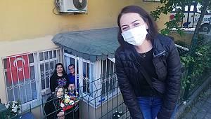 Avcılar Devlet Hastanesi Kovid-119 servisi hemşiresinden annesine büyük sürpriz