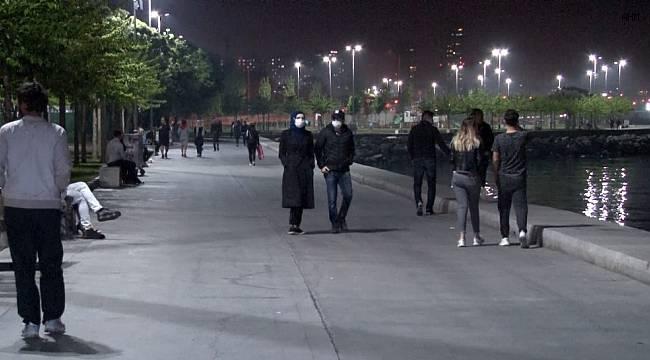 İstanbul'da vatandaşlar yasağa rağmen sahile akın etti
