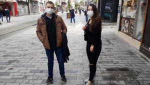 Kısa süreli sokağa çıkma izni verilen gençler soluğu Taksim'de aldı