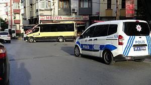 Avcılar'da bir kadın minibüsün açık kapısından yola düştü