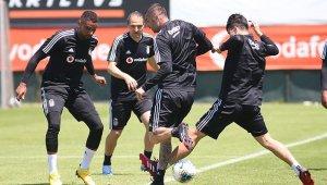 Beşiktaş, kondisyon ve taktik çalıştı