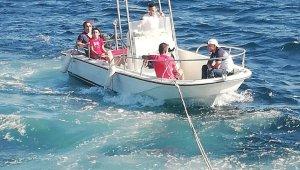Kıyı Emniyeti, Ambarlı açıklarında sürüklenen tekneyi kurtardı