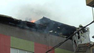 Ataşehir'de korkutan çatı yangını