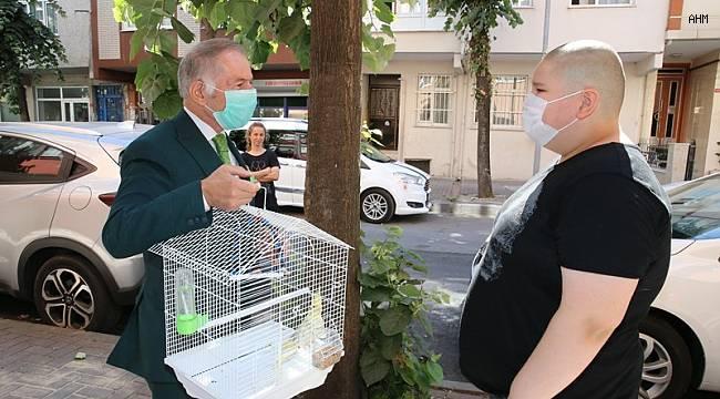 Başkan Aydıner'den papağanı ölen çocuğa büyük sürpriz