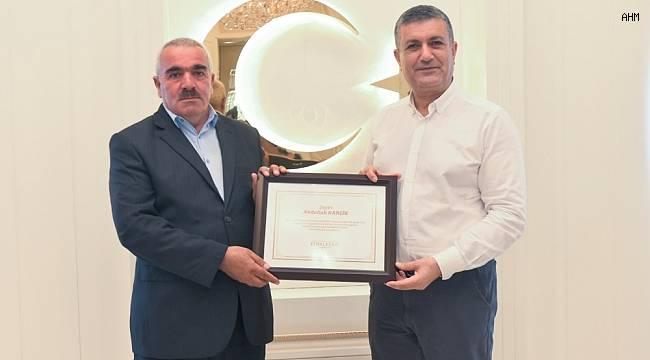 Esenyurt Belediye Başkanı Bozkurt'tan sel felaketinin kahramanına teşekkür