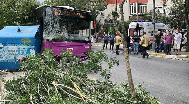 İstanbul Avcılar'da halk otobüsü kaza yaptı