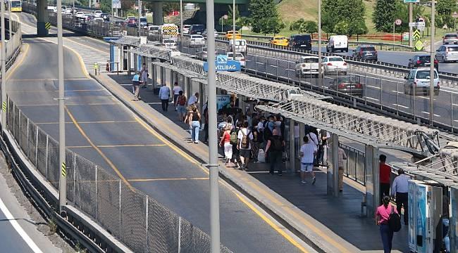 Metrobüste bayram arifesinde korkutan manzara