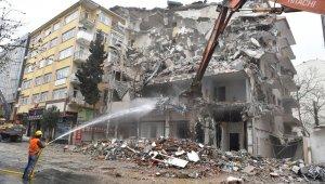 Avcılar'da bir yılda 140 binanın yıkımı tamamlandı