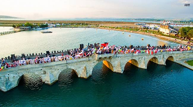 Festival, Covid-19 salgınında hayatını kaybedenlere adandı
