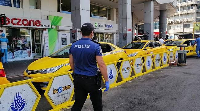 """Kadıköy'deki denetimlerde vatandaşın tepkisi: """"Ben Moda'da yürüyemiyorum hepsi maskesiz kaçıyorum"""""""