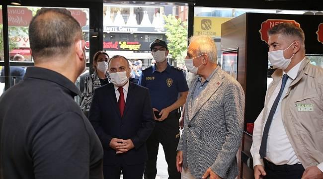 Ümraniye'de kaymakam ve belediye başkanı korona virüs tedbirlerini denetledi