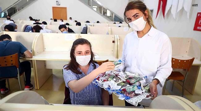 Bağcılar Belediyesinden öğretmen adaylarına moral hediyesi