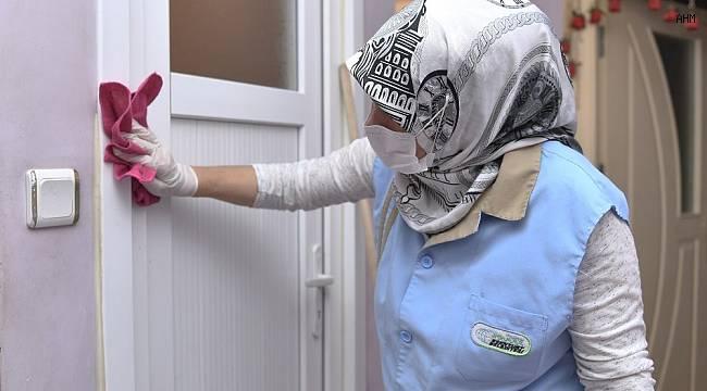 Engelli vatandaşlar ile 65 yaş ve üzeri kişilere ücretsiz temizlik hizmeti